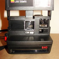 VINTAGE POLAROID 640-600 LAND CAMERA - USA