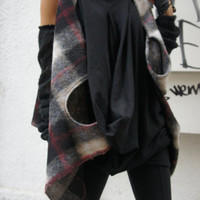 Loose Sleeveless Top/Wool Knit Plaid Blazer / Asymmetrical Vest
