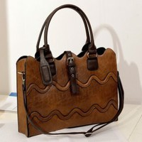 Hot Sale Brown Fashion Tracery Messenger Bags : Wholesaleclothing4u.com