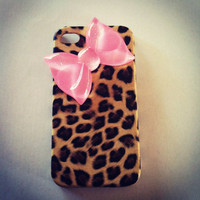 iPhone 4 and iPhone 4S Cheetah with Baby Pink Sparkling Bow case