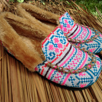 Cyber Monday Hmong Embroidered Plush Lined Womens Slippers