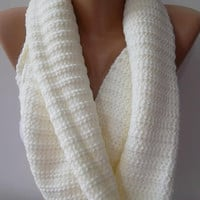 UNISEX  Infinity Scarf  Circle Scarf   Knit Fall Scarf   Pearl color