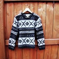 vintage hand knit wool ski sweater. wool pullover. grandpa sweater. oversized sweater. size S to M