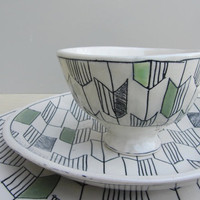 Ceramic Arrow Tale Bowl with Green