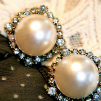 Statement Pearlesque Beauty Earrings | Trinkettes