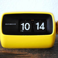 Vintage Flip Clock, Electric Light Sunbeam Yellow, Mid Century Decor Japan, Working
