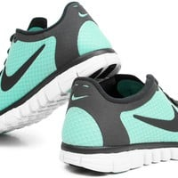 Women&#x27;s Nike Free 3.0 V2 Running Shoes