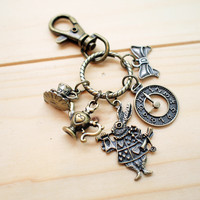 Charm Keychain, Alice In Wonderland on Luulla