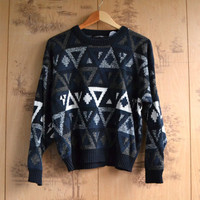 Vintage Geometric Print Sweater / Pullover Crew Neck Sweater / size small medium