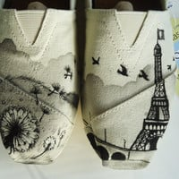 Dandelion Eiffle Tower TOMS