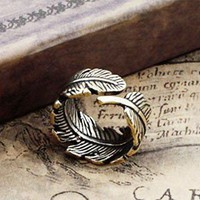 Men's Vintage Handmade Adjustable Leaf Ring from http://www.looback.com/
