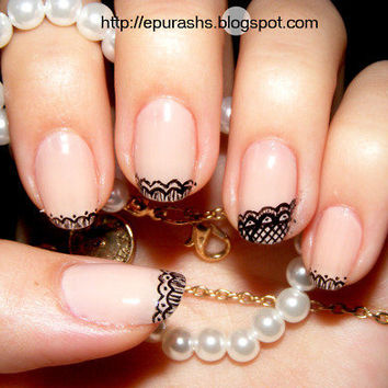 Hand-painted lace nails