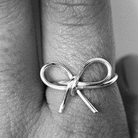 Bow Ring, Dainty Wire Bow Ring, Silver Bow Ring, Bow Jewelry, Wrapped Wire Ring, Simple Everyday Jewelry, Non-Tarnish Silver