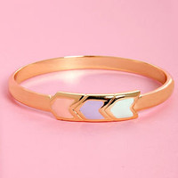 Pastel-ling Point Gold Arrow Bangle