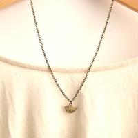 Small Swallow Bird Necklace // Brid.. on Luulla