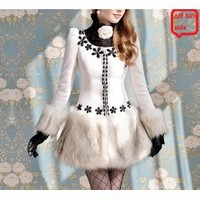 MARRY CHRISTMAS White flower gem inlay black fluffy skirt waist thin coat_Fashion Coats_Mili fashion Trade Co.Ltd