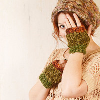 Woman green gloves Woman knit gloves Green brown gloves Woodland gloves Fingerless gloves Green mittens woman Velvet mittens