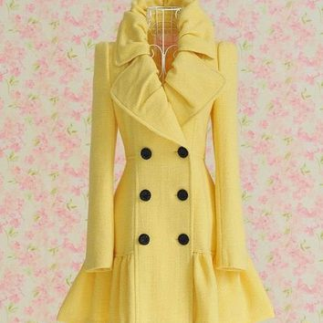 A Day in the Life of a Fashionista / Um, I DIE for this coat. DIE! on imgfave