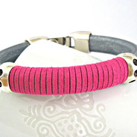 Metallic finish grey spanish leather bracelet with hot pink suede and zamak