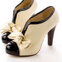 Available Special Order Renaissance V-Opening Bowknot Platforms Beige