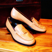 vintage butterscotch / latte Etienne Aigner leather loafer. size 8W. made in Brazil. leather slip on. preppy shoe