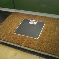 Scale door mat