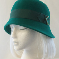 Emerald Green Cloche in Velour Fur Felt