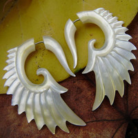 Fake Gauge Earrings ,Golden Shell Earrings,Mother of pearl Shell Angel wing feather