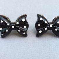 Polka Dot Bow Earrings on Luulla