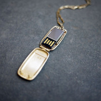 Emily Rothschild : USB Locket