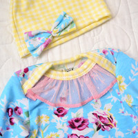 Girl coming home set.  Size- newborn. Colors- Blue floral print   (Made by lippybrand)