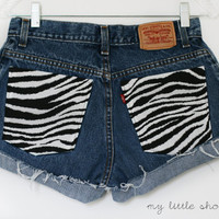 High Waisted Zebra Pocket Levi&#x27;s Shorts Size by MyLittleShortShop