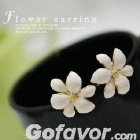 Fashion Flower Stud Earrings at Online Jewelry Store Gofavor