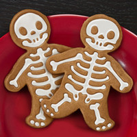 GingerDead Cookie Cutter | GingerDead Men | fredflare.com