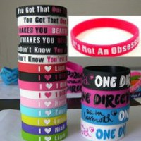 My Associates Store - 20pcs I Love ONE Direction Bracelet Silicone Wristband so in Love Heart 1d 20pcs
