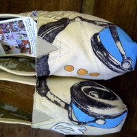 Custom Painted Toms shoes, Headphones