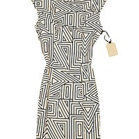 Elastic Body-con Sleeveless Dress with Geometric Print
