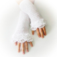 Fingerless Gloves , White, Bridal, Bride, Elegant, Shabby, Chic, Lace gloves, Winter, christmas gift,