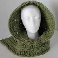 Hooded Scarf - Mid Green - Gaelic