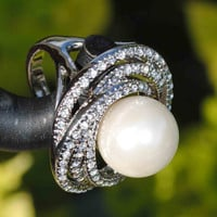 Elegant Swarovski n' Pearl Ring by Maliyajewelry on Etsy