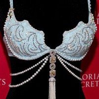 2011 Victoria's Secret Diamonds and Pearls Fantasy Bra - Celebrities who wear a 2011 Victoria's Secret Diamonds and Pearls Fantasy Bra clothing / Coolspotters