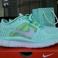 Nike free run 3 womens sz 8 tropical twist + roshe 2 3.0 v3 4.0 v2 air max 2012
