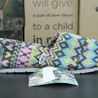 Toms Womans Crochet Shoes in Pink Blue Grey and Yellow EU 39 / US 8.5