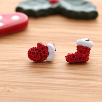 MITTEN & BOOT stud earrings with crystals | girlsluv.it