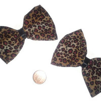 Cheetah Print Hair Bow, Animal print accessories, Cheetah bows, womens hair accessories, Cheetah Print hairbows, Flirty hair accessories,