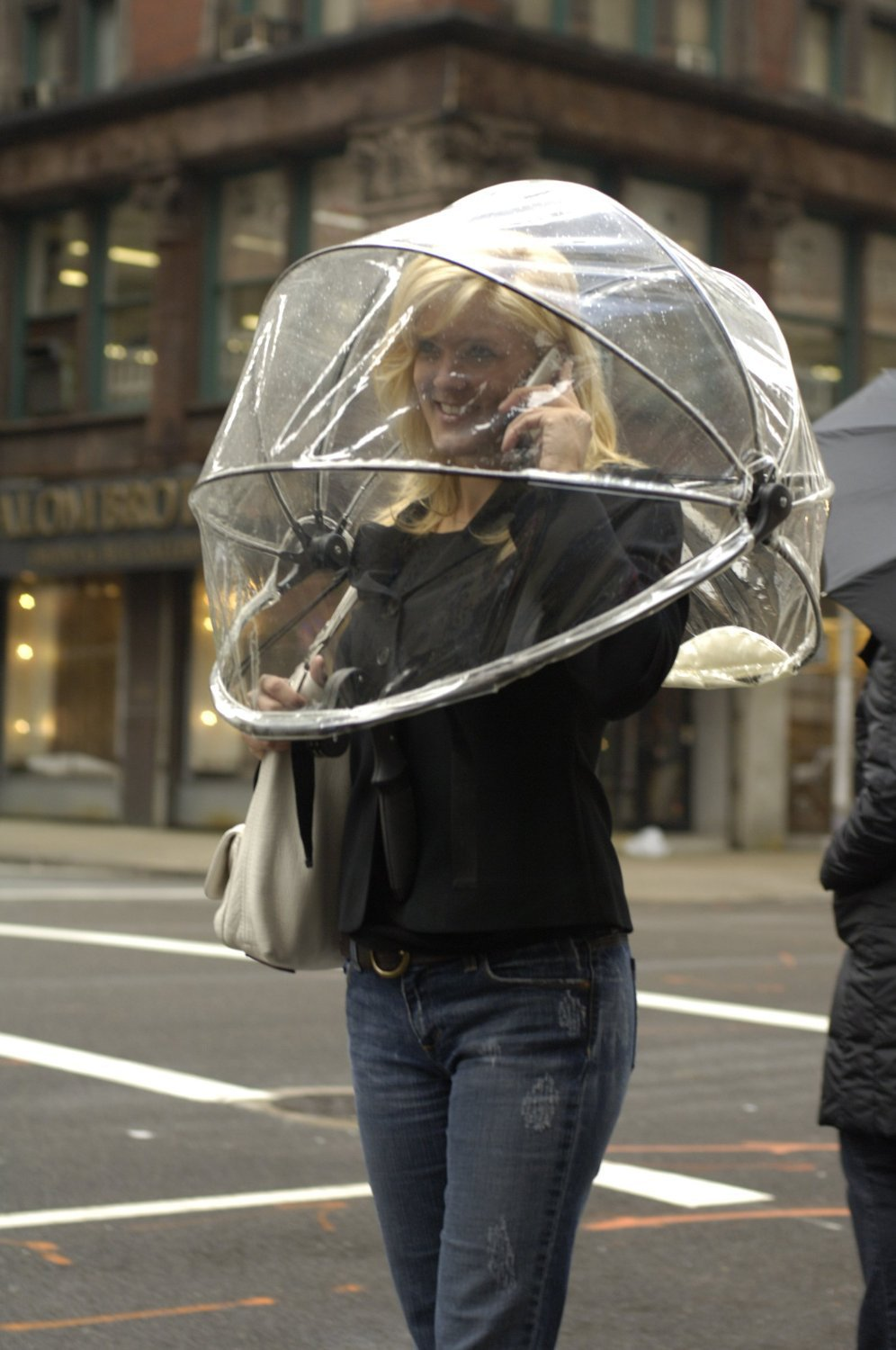 Amazon.com: Nubrella Hands Free Umbrella: Clothing