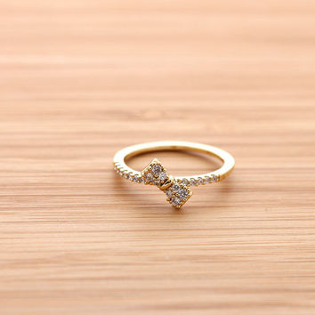tiny RIBBON ring with crystals, in gold | girlsluv.it