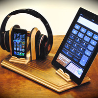 The &quot;Sound Stand Deluxe&quot; custom combo docking stand for headphones plus iPhone, iPod, iPad and iPad mini or Android tablets