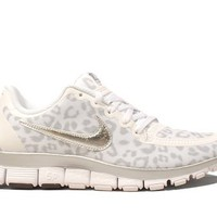 Nike Women's Free 5.0 V4 - White / Metallic Silver-Wolf Grey, 6.5 B US