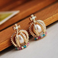 The OE0361 pearl cross Color Diamonds Crown earrings from Fashion4you